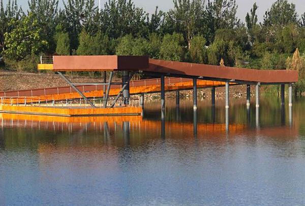银川艾依河滨水景观设计项目位于银川市金凤区东北